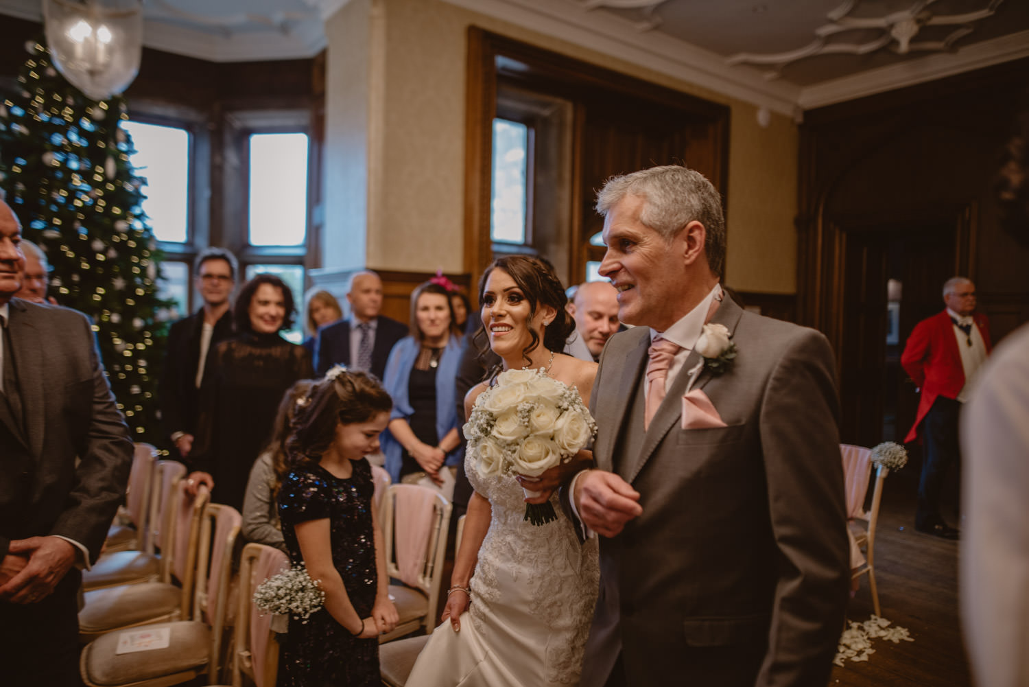 Bride and her father walking the aisle