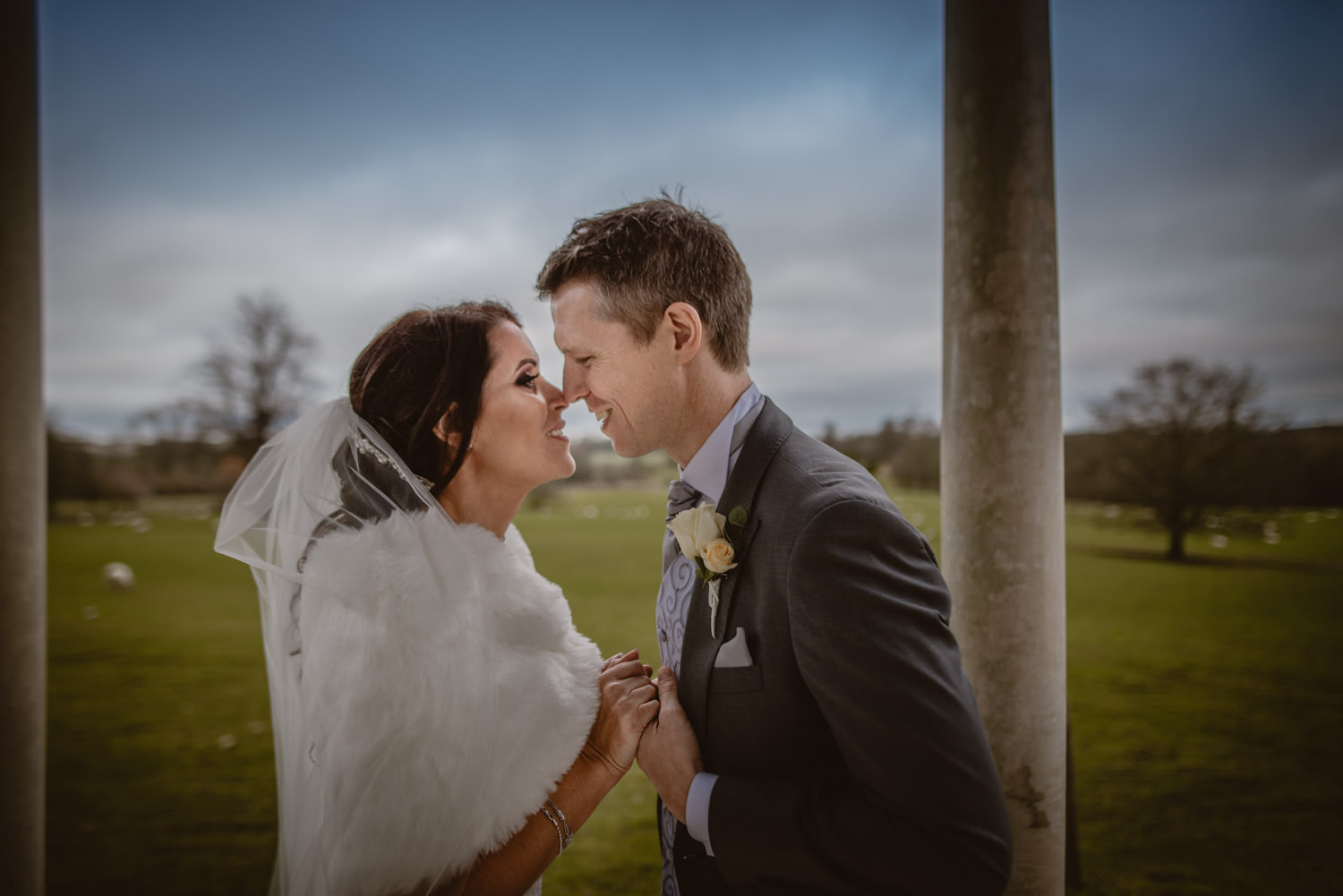 CLICK TO SEE THEIR WEDDING - FROYLE PARK, HAMPSHIRE