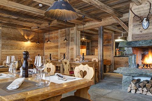 Restaurant and Bar, Le Clos des Cimes / L'Aigle