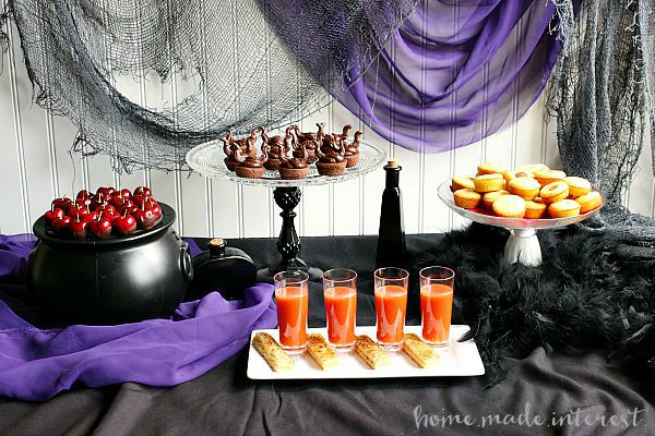 Disney-Descendants-Party-Ideas-Tablescape-by-Home-Made-Interest.jpg