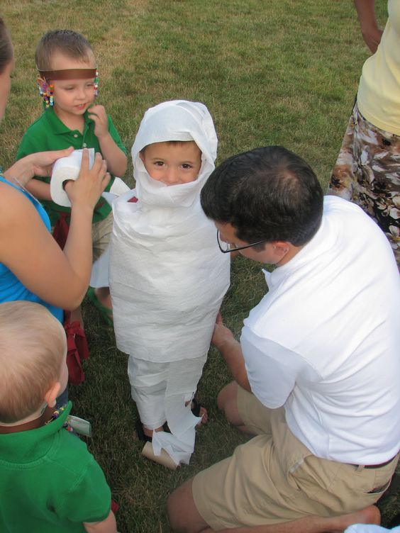 Mummy Wrap Game How TO