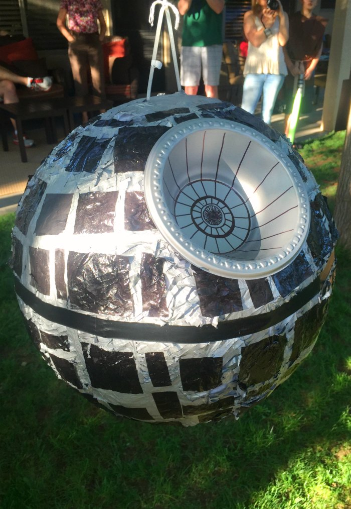 DIY-Death-Star-Pinata.jpg