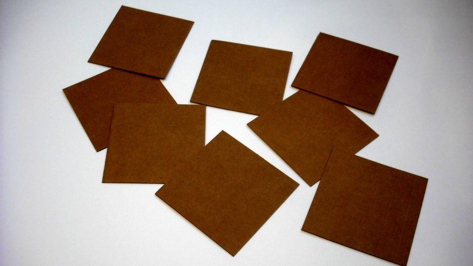 DIY-Magic-Box-Trick-01-56a5d79f5f9b58b7d0deb5a5.jpg