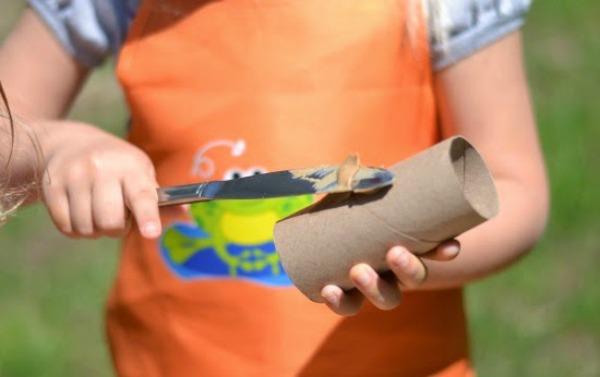 Bird feeder craft for kids (bird feeders made from cardboard tubes).jpg