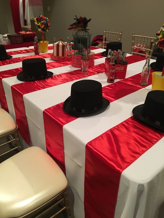 - Using different coloured table cloths to create a strip effect