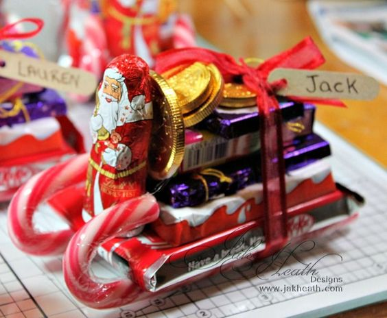 Christmas Sleigh - A brilliantly simple idea, all you need is a hot glue gun, you can use these as decorations or stocking fillers, even teacher gifts.