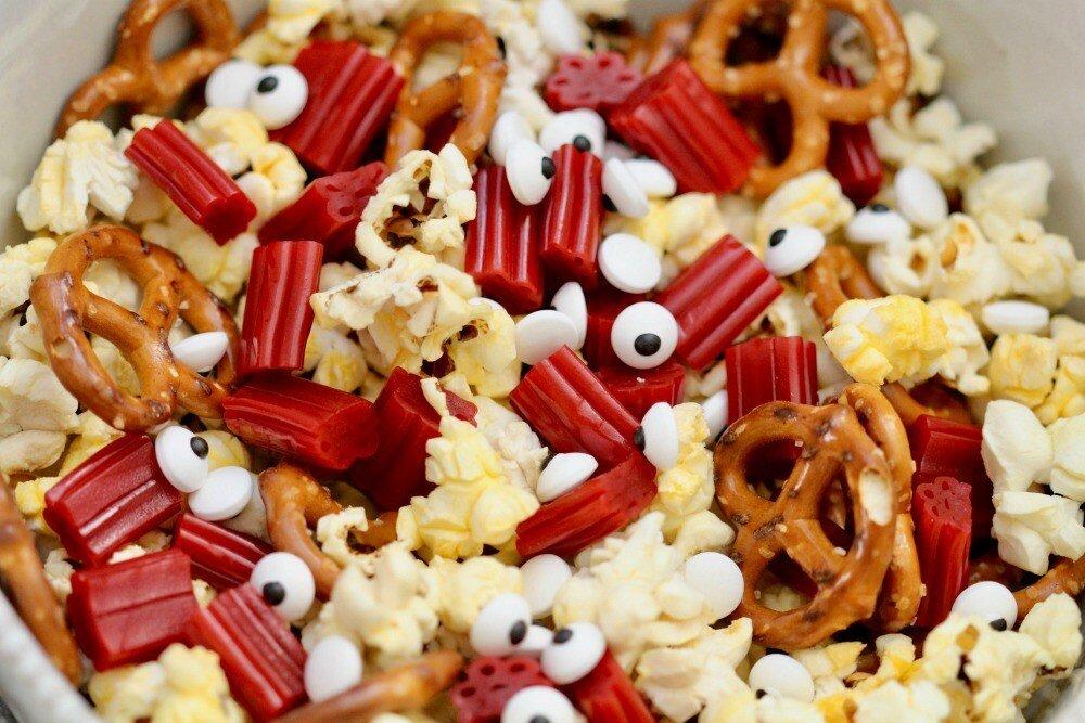Goosebumps-2-Popcorn-Mix-Closeup.jpg
