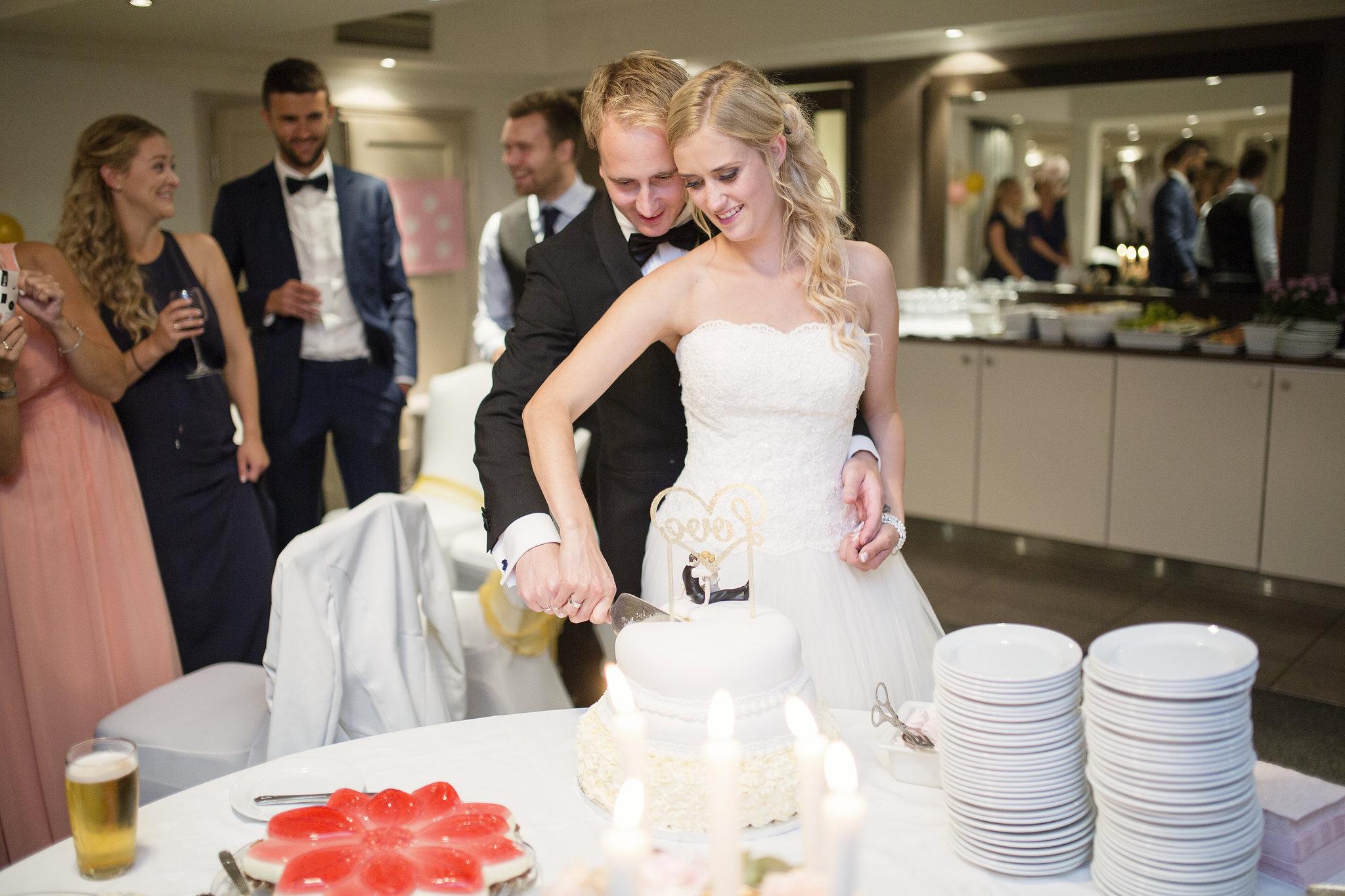AL_1308_1714-STfotograf-bryllup-tyrifjorden.jpg