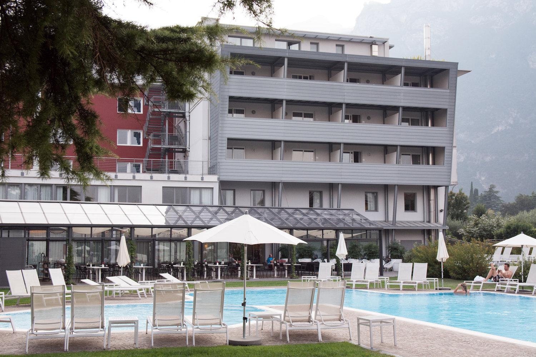Ambienti Riva Del Garda the veranda of hotel luise restaurant in riva del garda