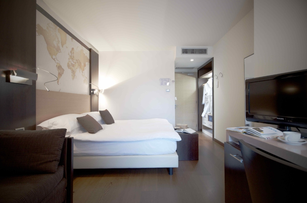 map room hotel luise riva del garda 01