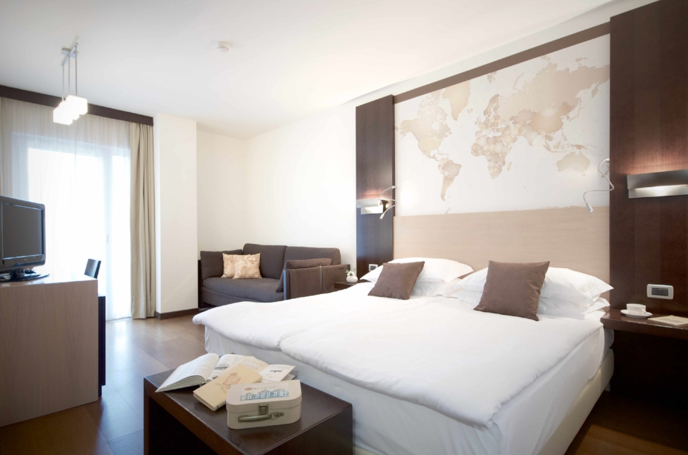 map room hotel luise riva del garda 04
