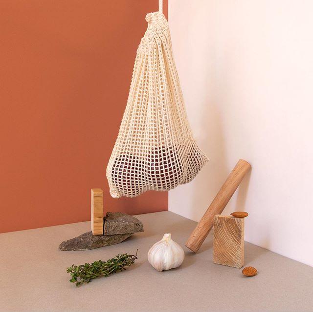 Mesh Bag, Wood and Veg. . . . #stilllifephotography #setdesign #sculpture #hangingsculpture #stilllife #artdirection #contemporaryart #originalartwork