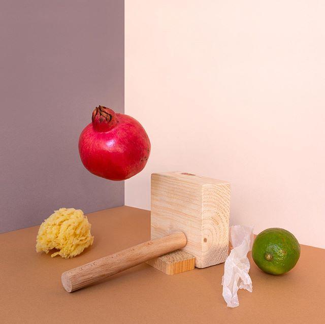 Pomegranate, Wood and Sponge. . . . #stilllifephotography #stilllife #setdesign #sculpture #originalartwork #contemporaryart #modernart #hangingart #installationart