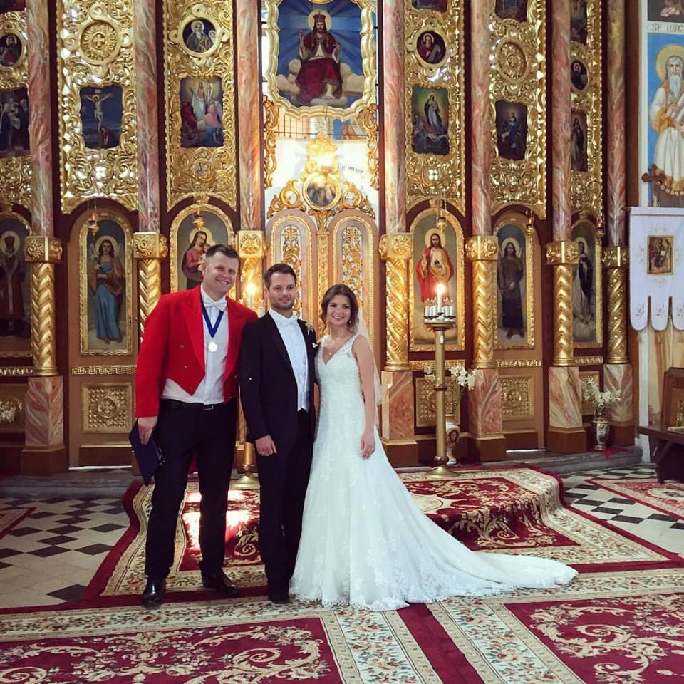 organizat si priceput - abordarea unui eveniment precum nunta trebuie sa fie in stricta concordanta cu cerintele mirilor, respectand cu strictete desfasuratorul de eveniment stabilit initial