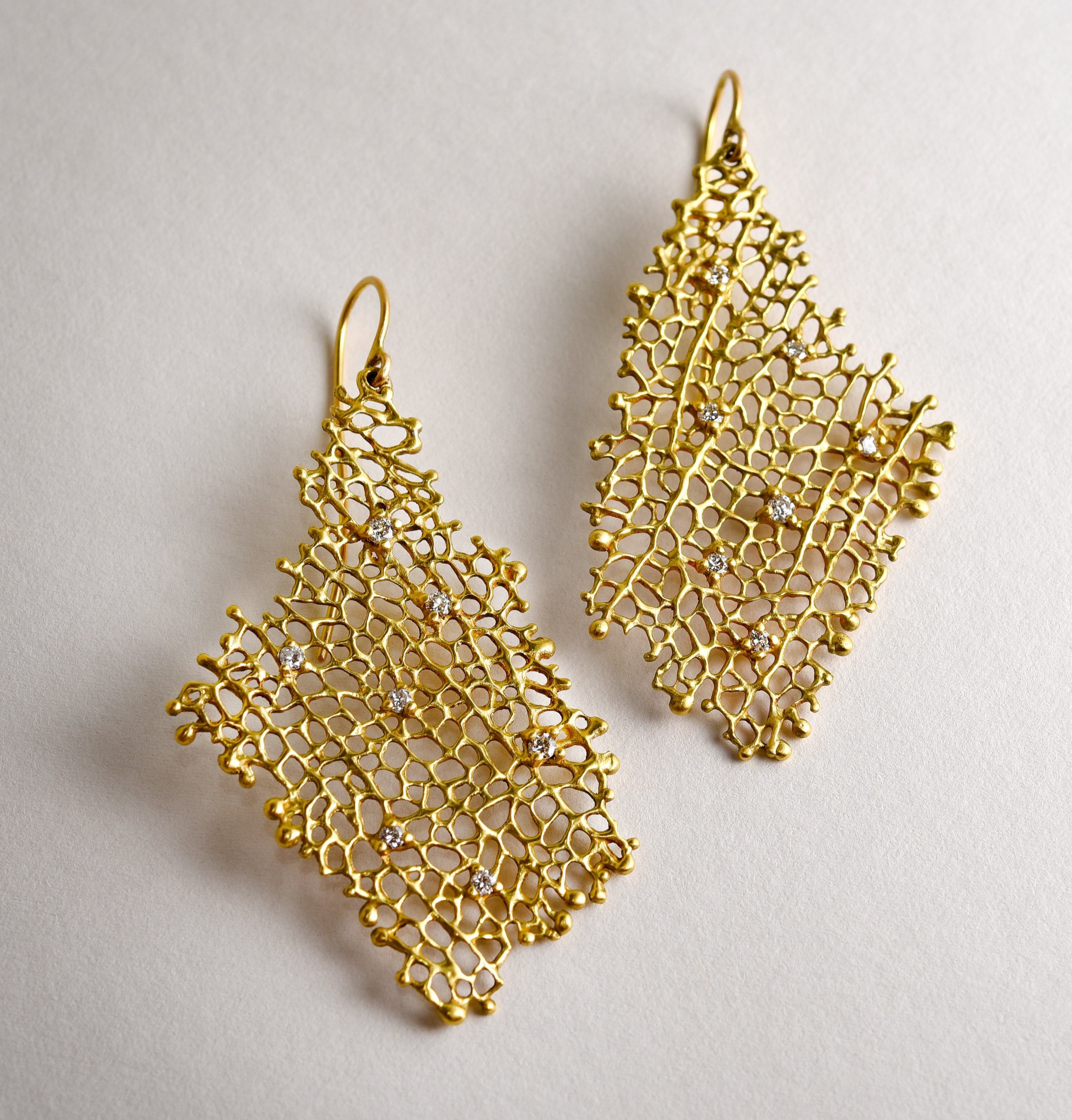 20Kt Coral Collection Diamond Drop Earrings