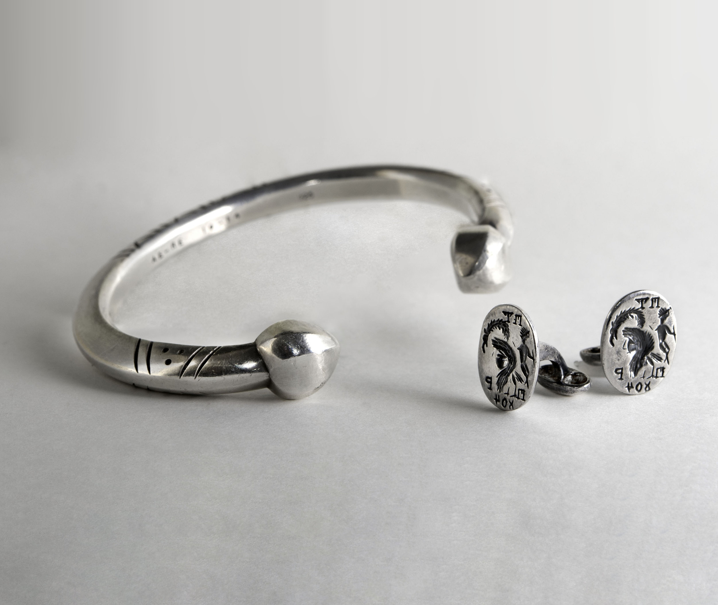 Sterling Silver Mens Bracelet with Silver Intaglio Cufflinks