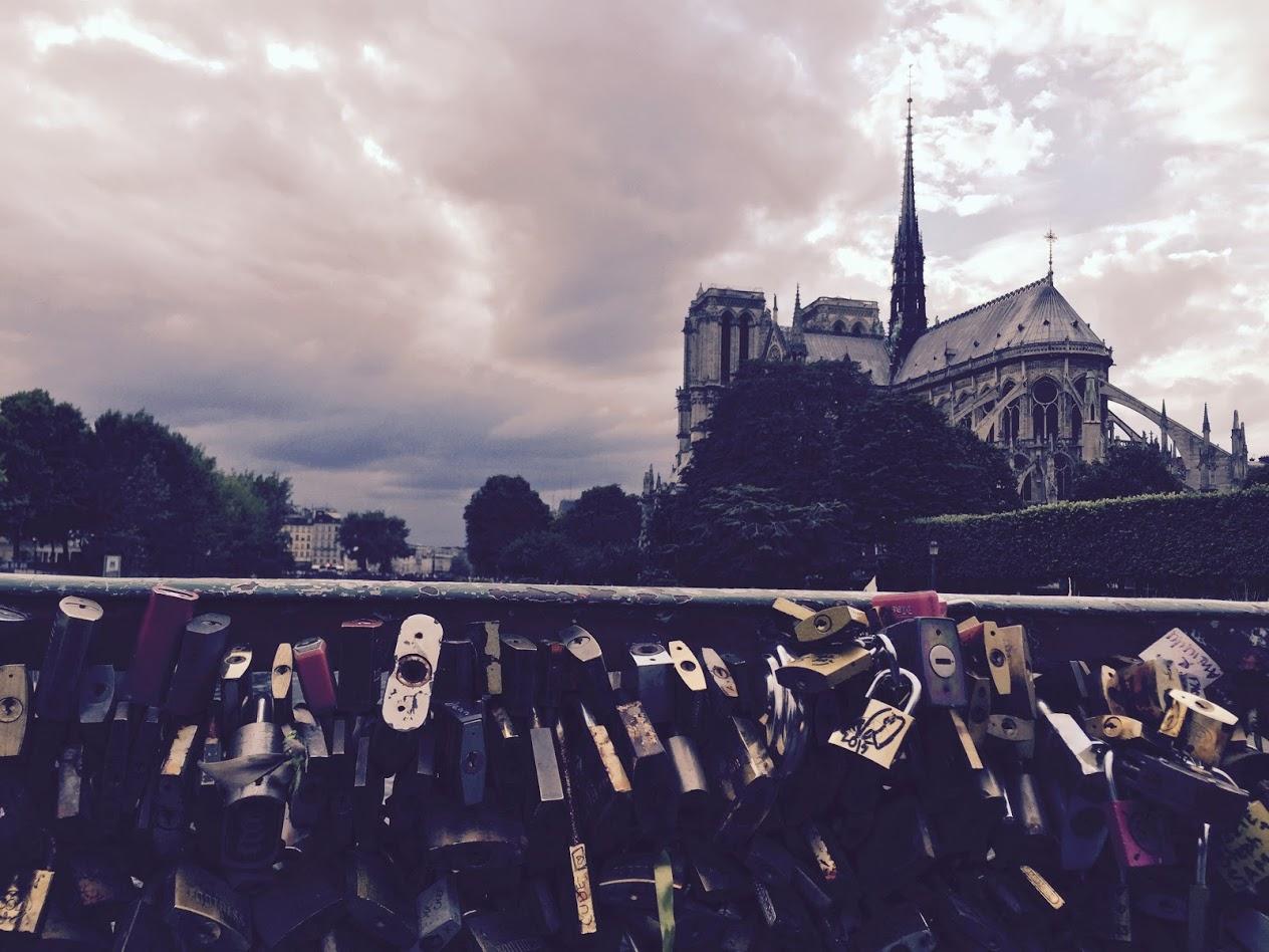 MK-Notre Dame-LoveBridge.JPG