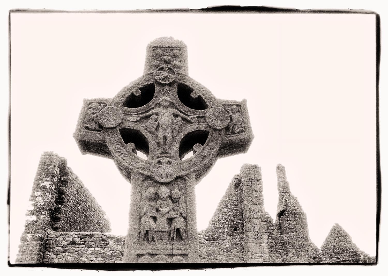 Ireland_Clonmacnoise.jpg