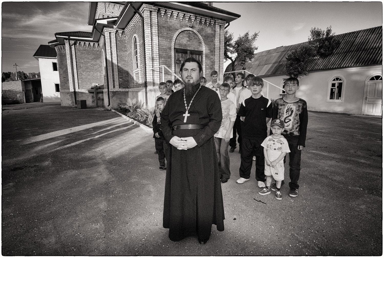 Russia_PriestKids.jpg
