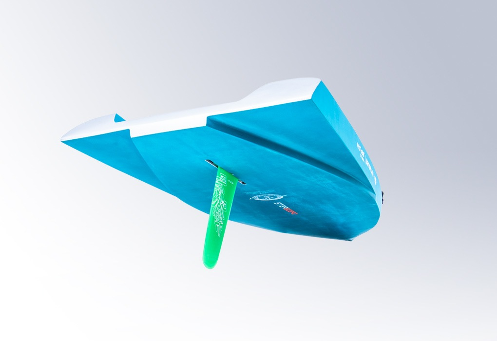2020 starboard waterline bottom with cutaway tail. shown in carbon top consturction