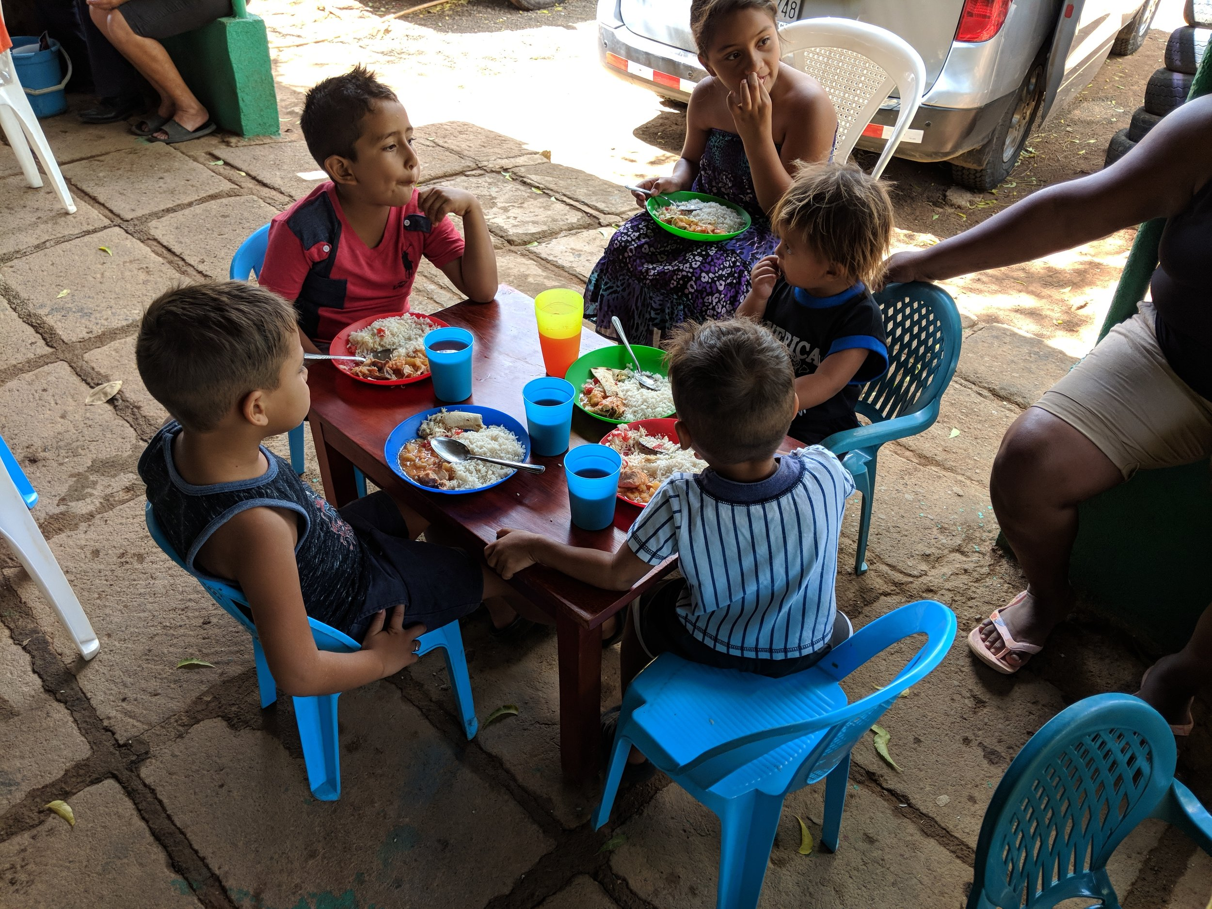 Children at the feeding kitchen in Tepano.