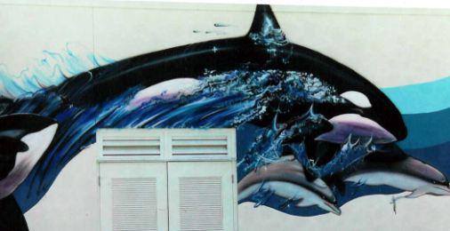 kiss_whales_lg.jpg