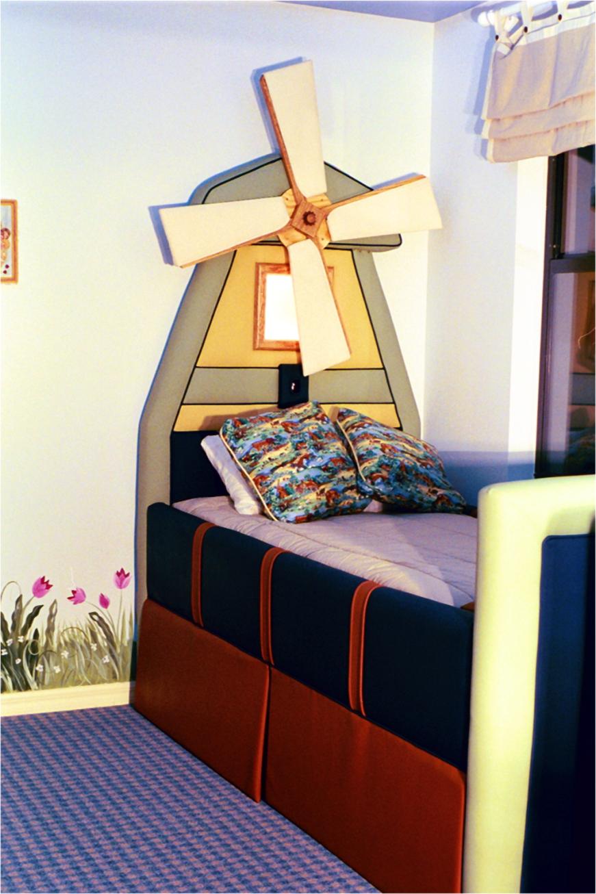 lighthouse_bed.jpg