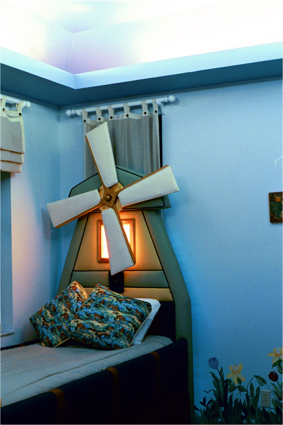 windmill bed_night.jpg