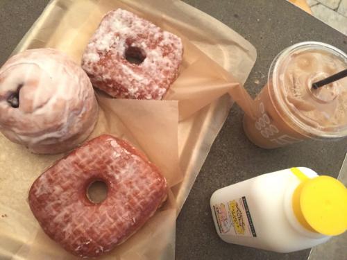 Anna Osgoodby NYC Living :: Doughnut Plant