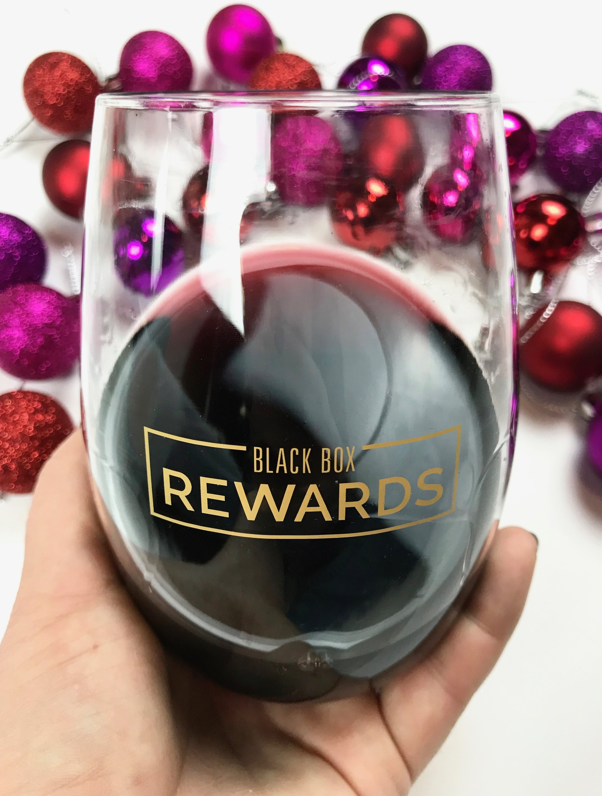 Anna Osgoodby Life + Design : Get Rewarded this Season with Black Box Wines