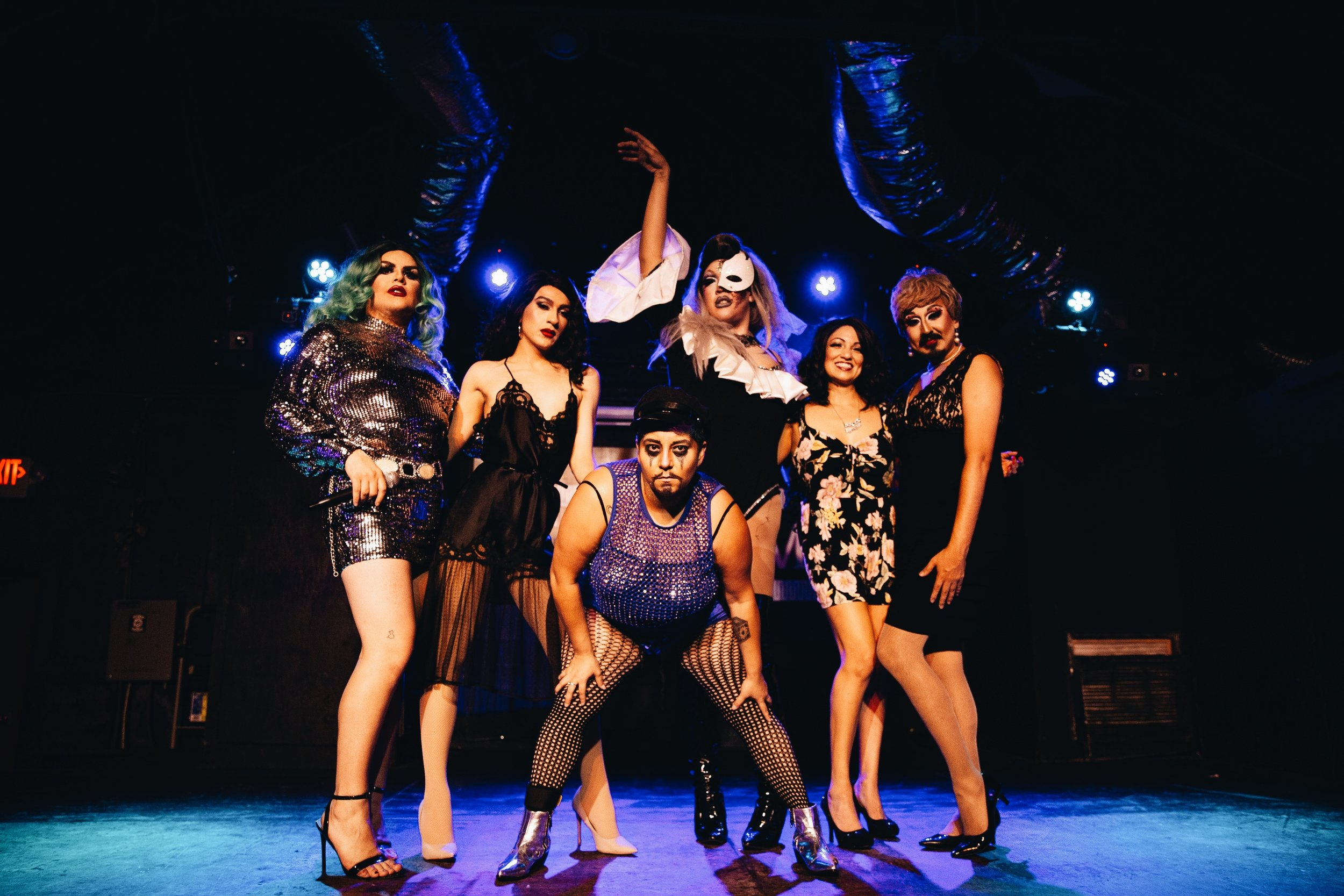 From Left to right  @Tatianacholula   @Rvbyknight   @Papichurroatx   @Thebansheerose  with special guest Dolce Burlique and  @Grandmasteven