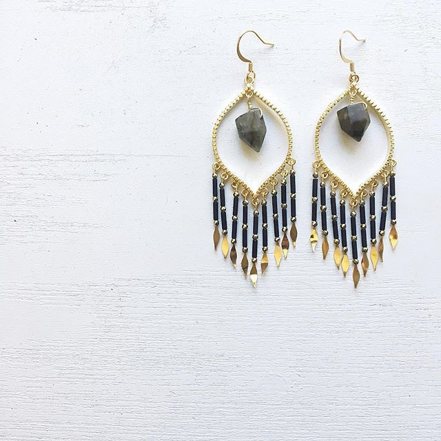 Catch all the good juju in the air this season with the Billy Sky Dream Catcher Earrings ..these one of a kind beauties are adorned with Labradorite Points, facetted Pyrite and vintage glass tube beads. #design #billyskyjewelry #fall2018collection