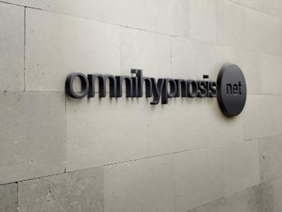 OMNI: une école internationale - OMNI est une école internationale d'hypnose spécialisée dans la formation de praticien en hypnose fondée en 1979 par Gerald