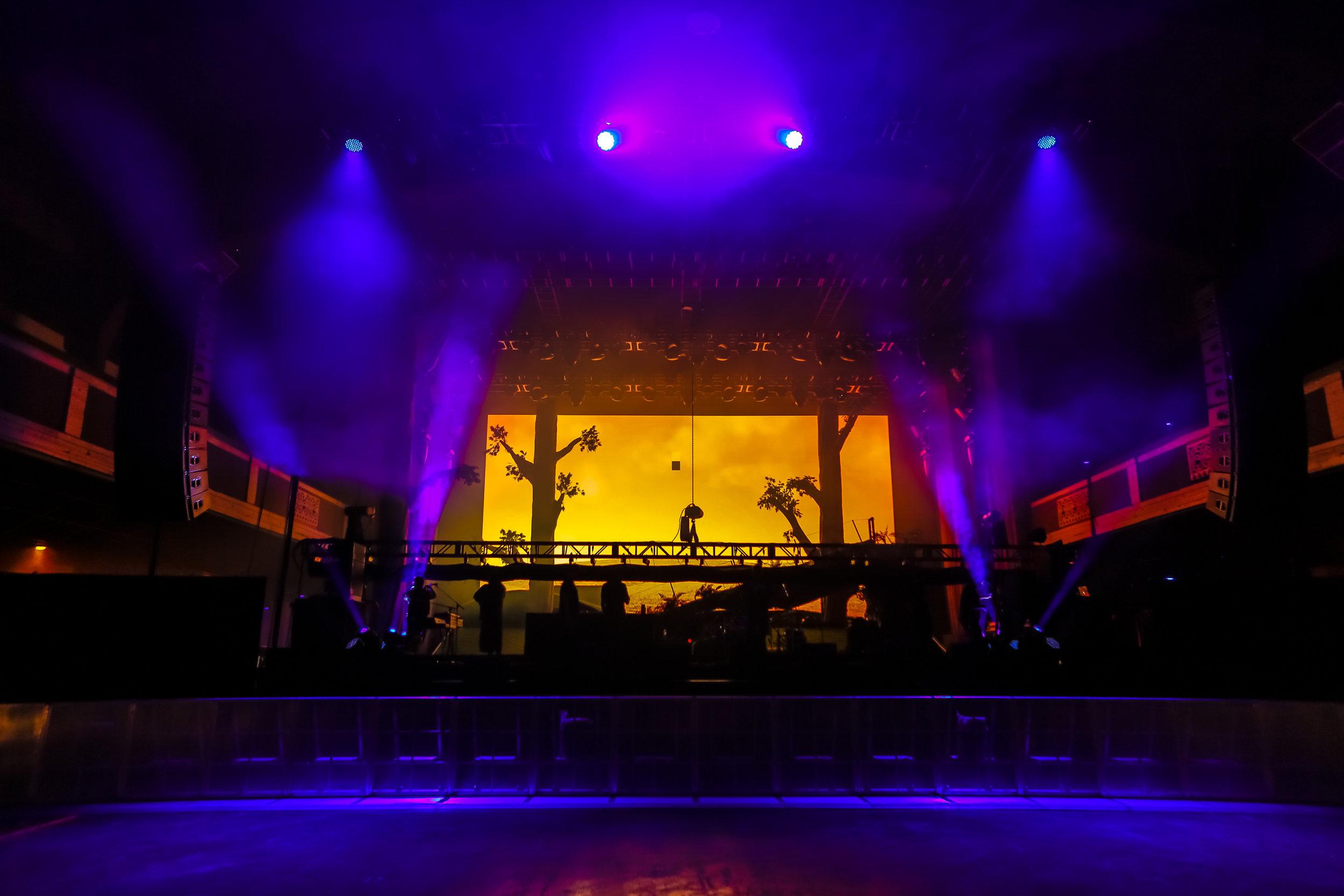Setting up the kabuki at the Shrine Auditorium LA before the show on 4/11/18