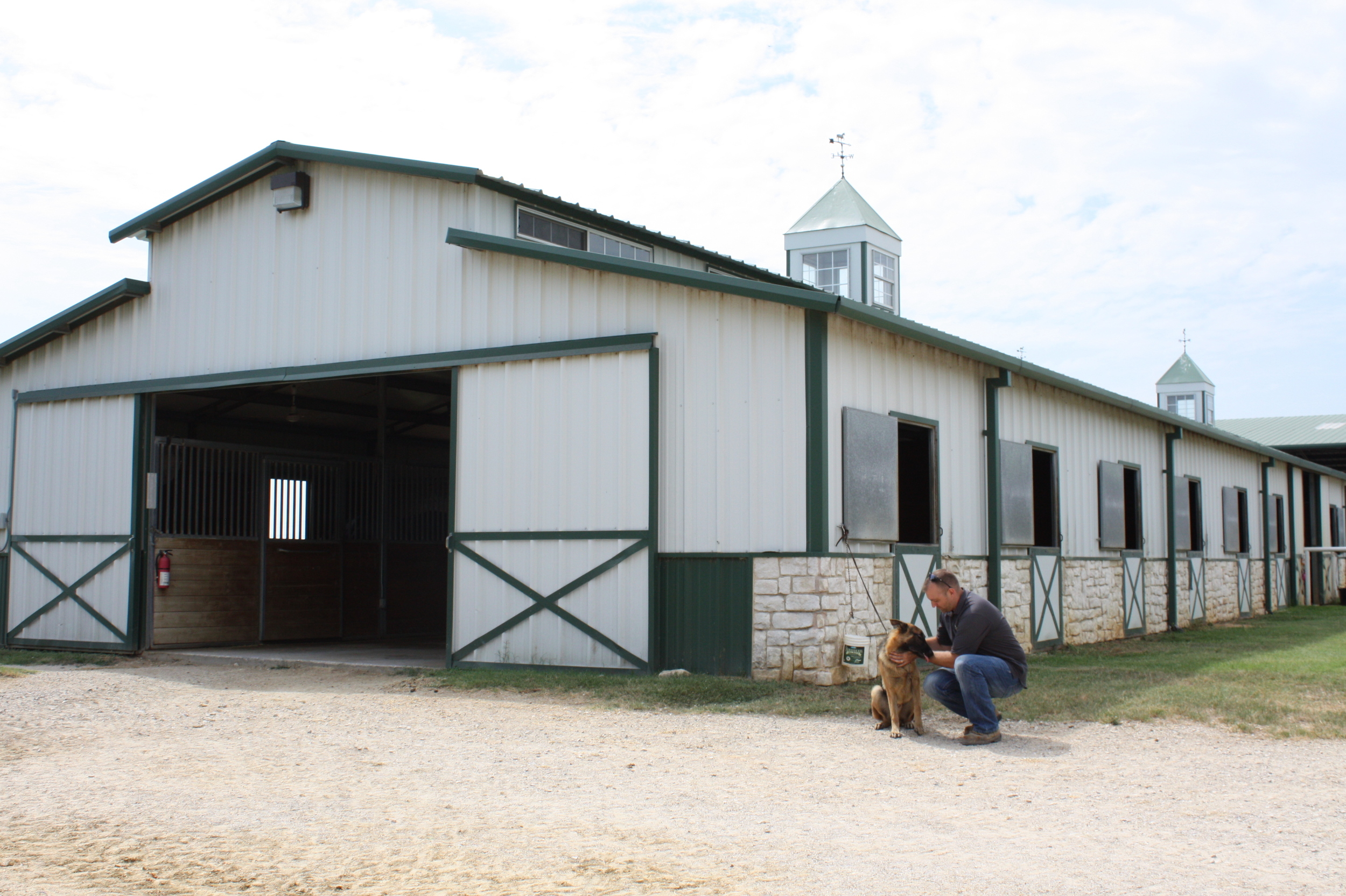 Raised Center Aisle Horse Barn