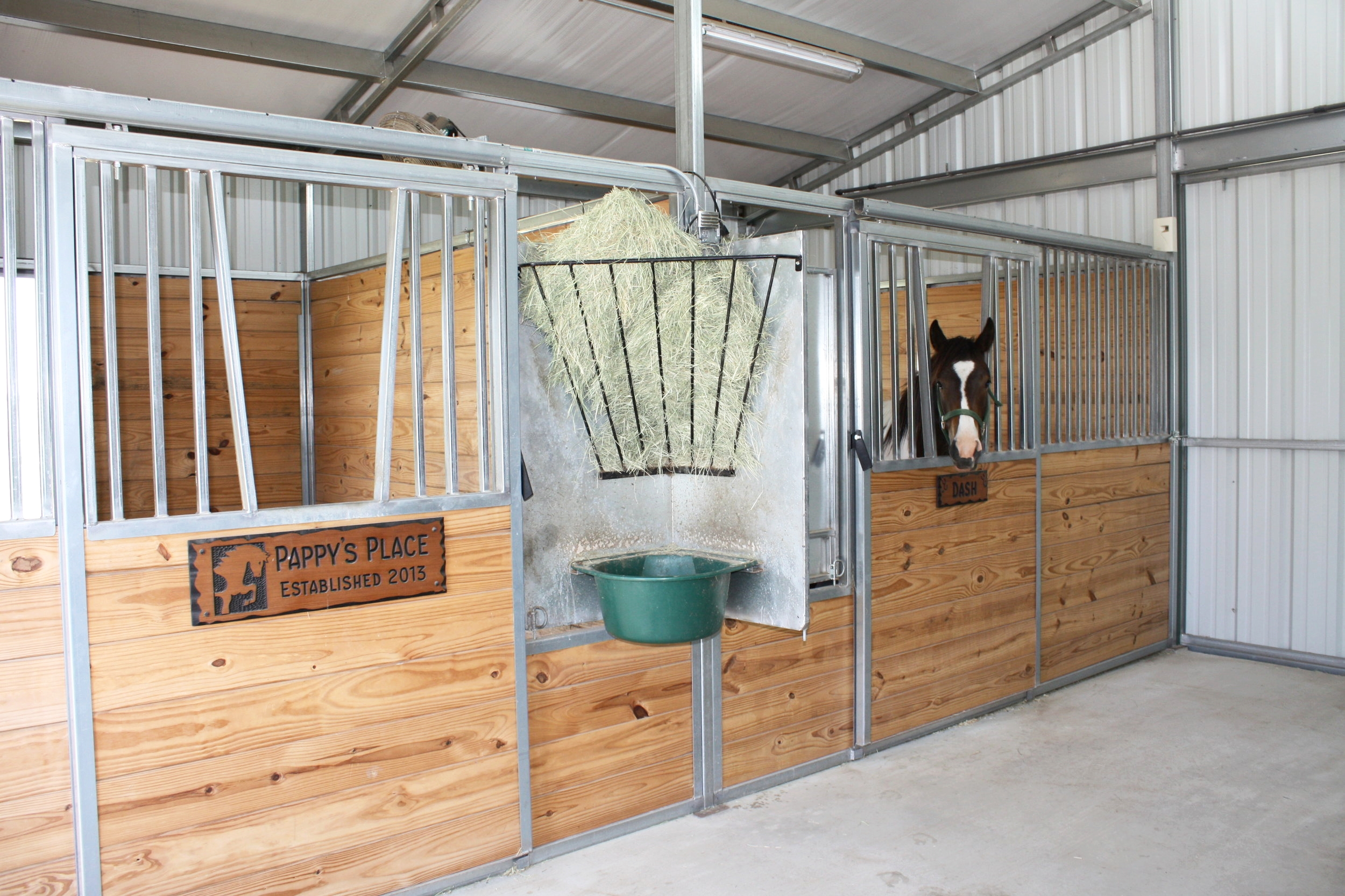 Swing-Out Feeder & Stall Door with Yoke Grill