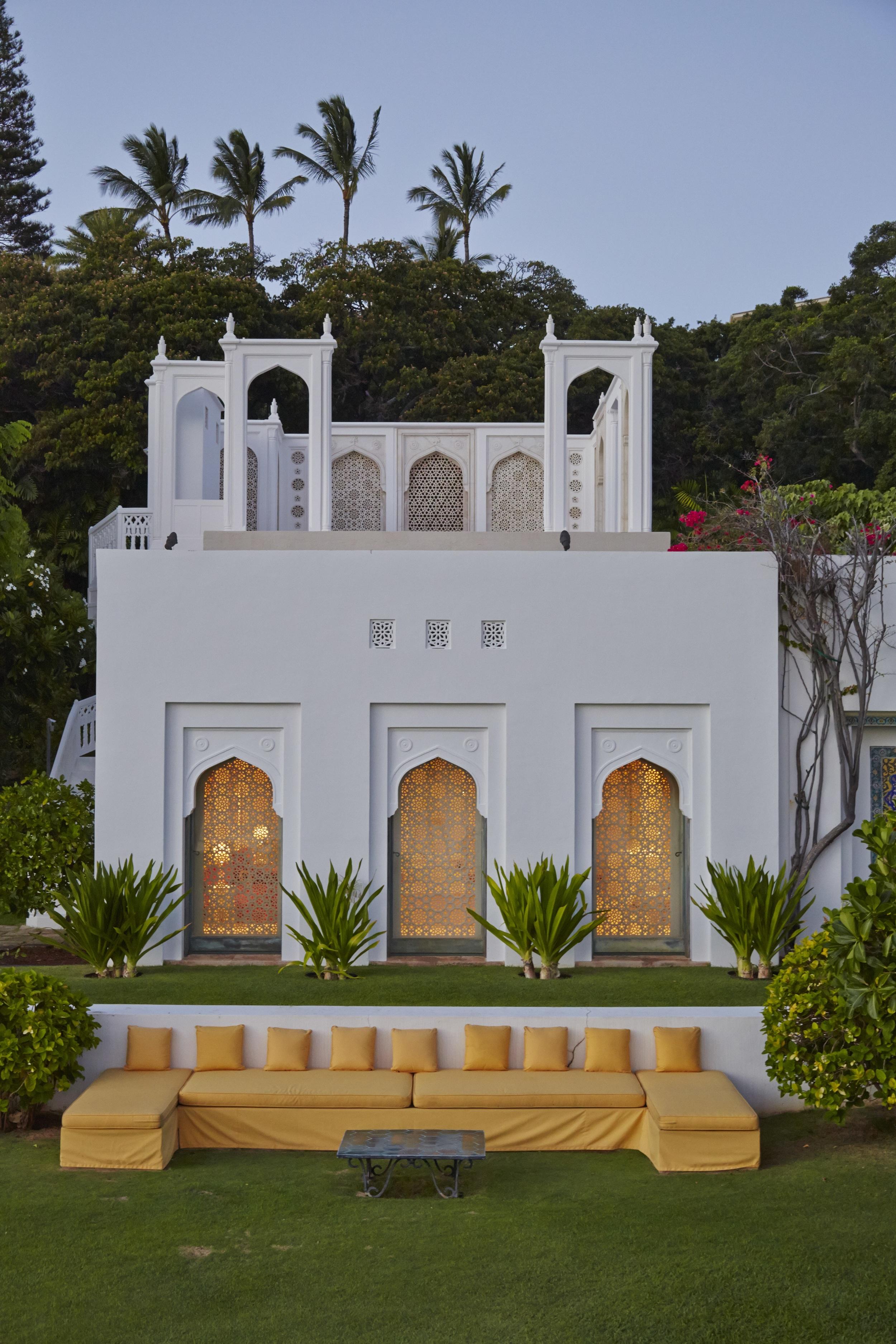 Exterior of the Mughal Suite at Shangri La. © 2014, Linny Morris, courtesy of the Doris Duke Foundation for Islamic Art, Honolulu, Hawai'i.