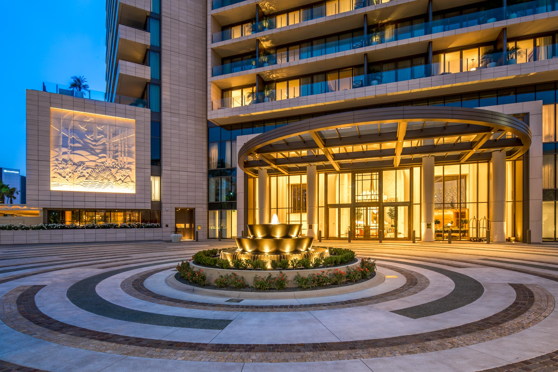 Waldorf Astoria Beverly Hills Entrance
