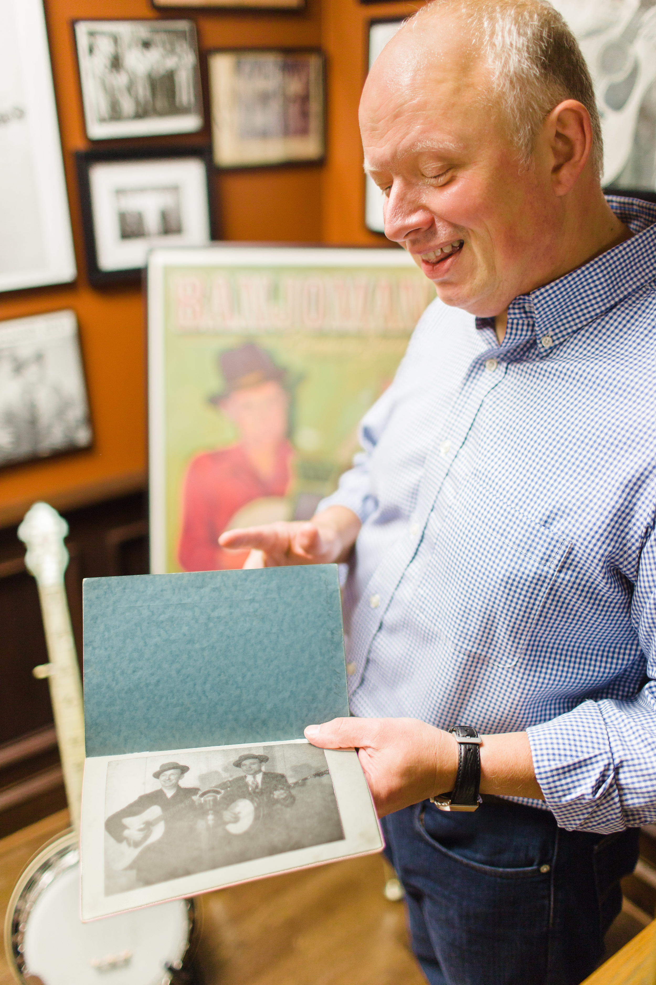 Mills shows an early publicity image of Lester Flatt and Earl Scruggs.