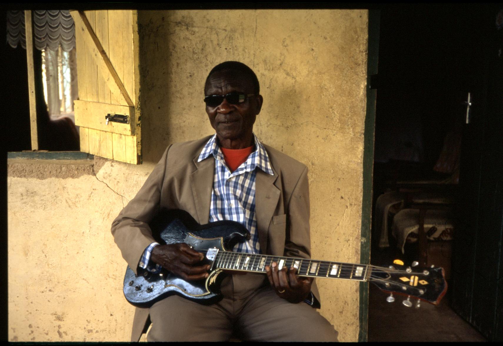 James Bongo at home, 2018 (35mm)