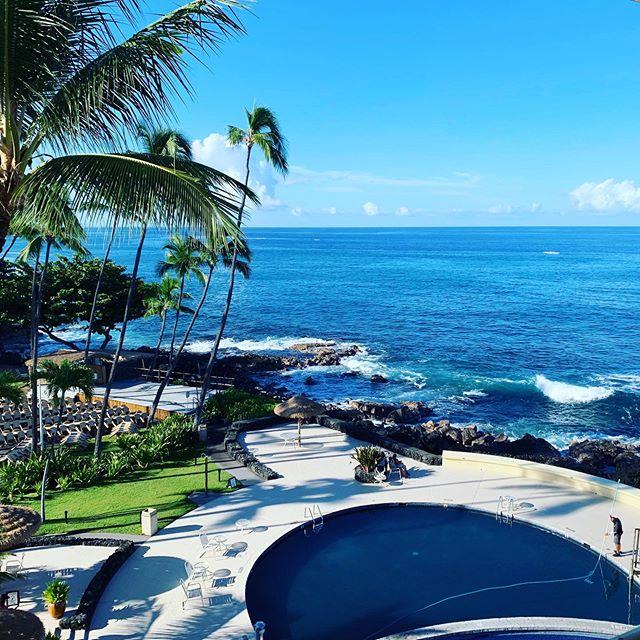 Happy in Hawaii 😊🌴🐠🍍