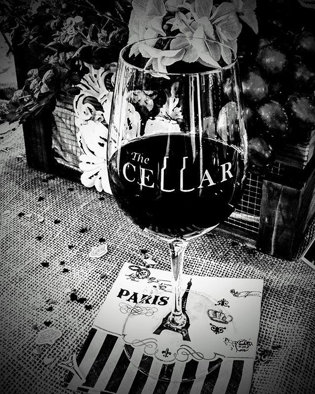 Mini Friday is here! 25% Off bottles tonight................................ #folsom #historicfolsom #sacramento #eldoradohills #rocklin #roseville #wine #beer #localbusiness #shopsmall