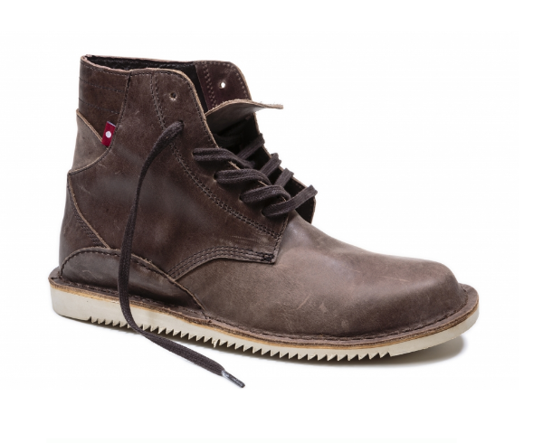 Oliberte does it again with the boots! These outdoorsy guys are comfortable and durable; I love how they look on Jordan!
