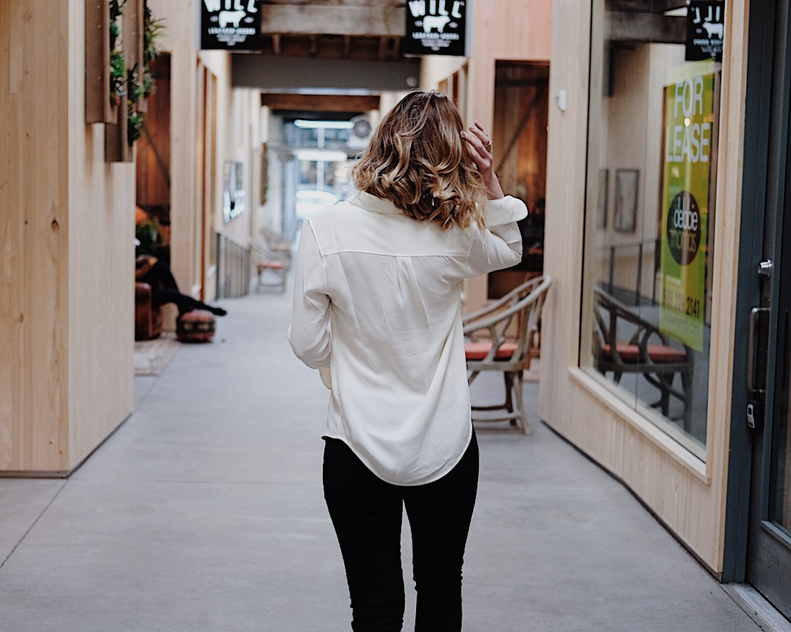 comfortable white blouse button up