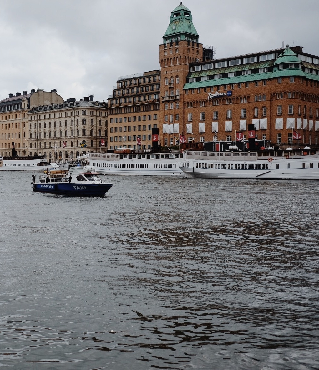 what to wear in stockholm