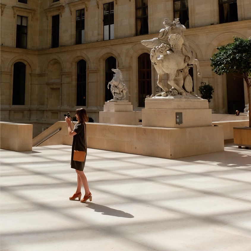 what to wear to the Louvre