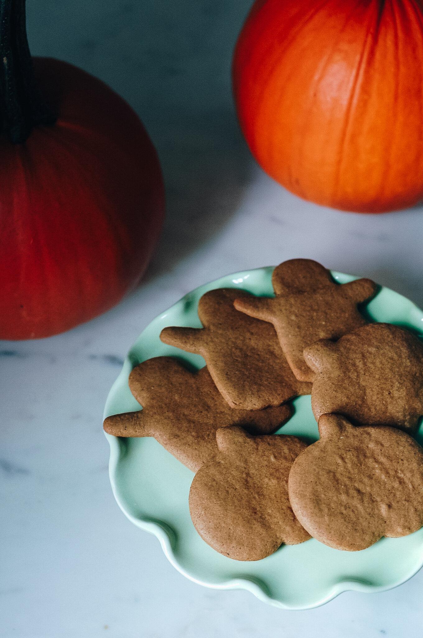 Holisticole - Pumpkin Spice Cookies