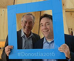 На снимката: Бруно Кауфман и Джо Матюс – съпредседатели на Глобалния форум за Модерна Директна Демокрация