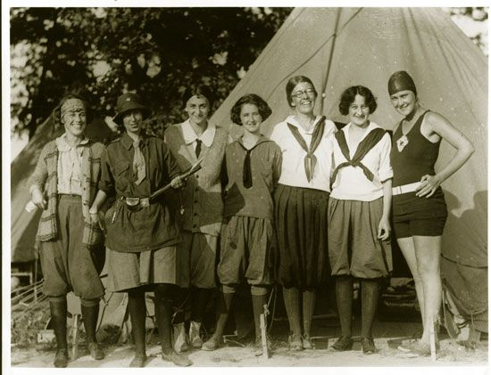 old girl scouts.jpg