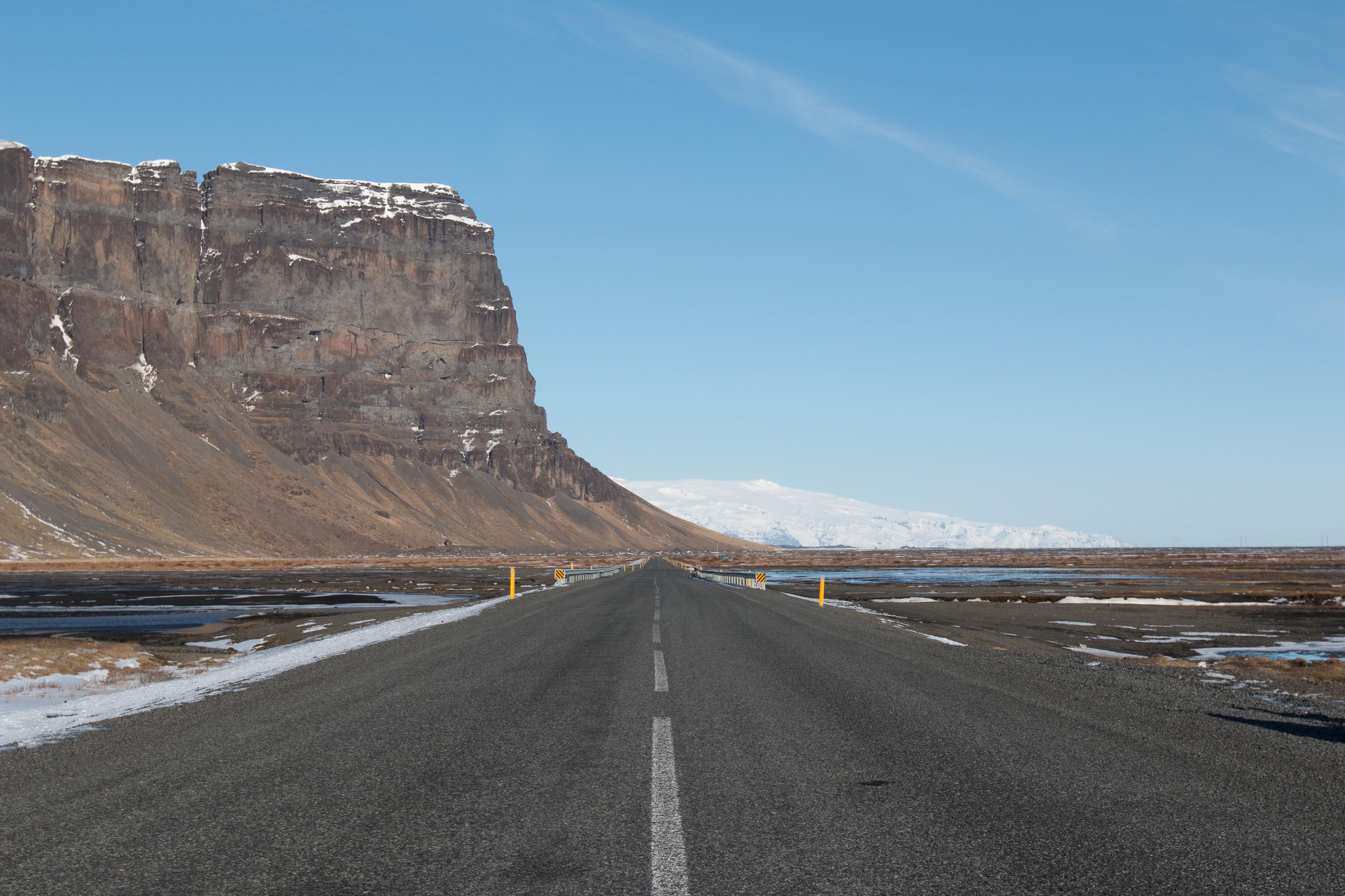 Lómagnúpur Mountain